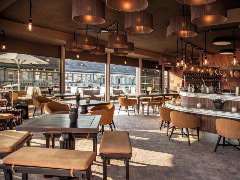 web_zurich_restaurant_ooorooftoprestaurant_03